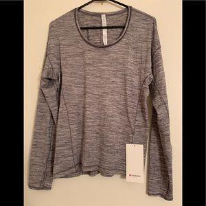 Lululemon Athletica long sleeve sweat embrace top